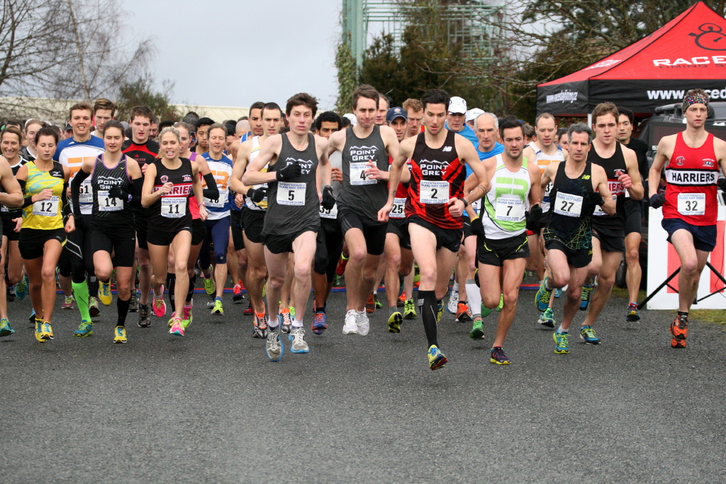 Runners Starting the Pioneer 8km